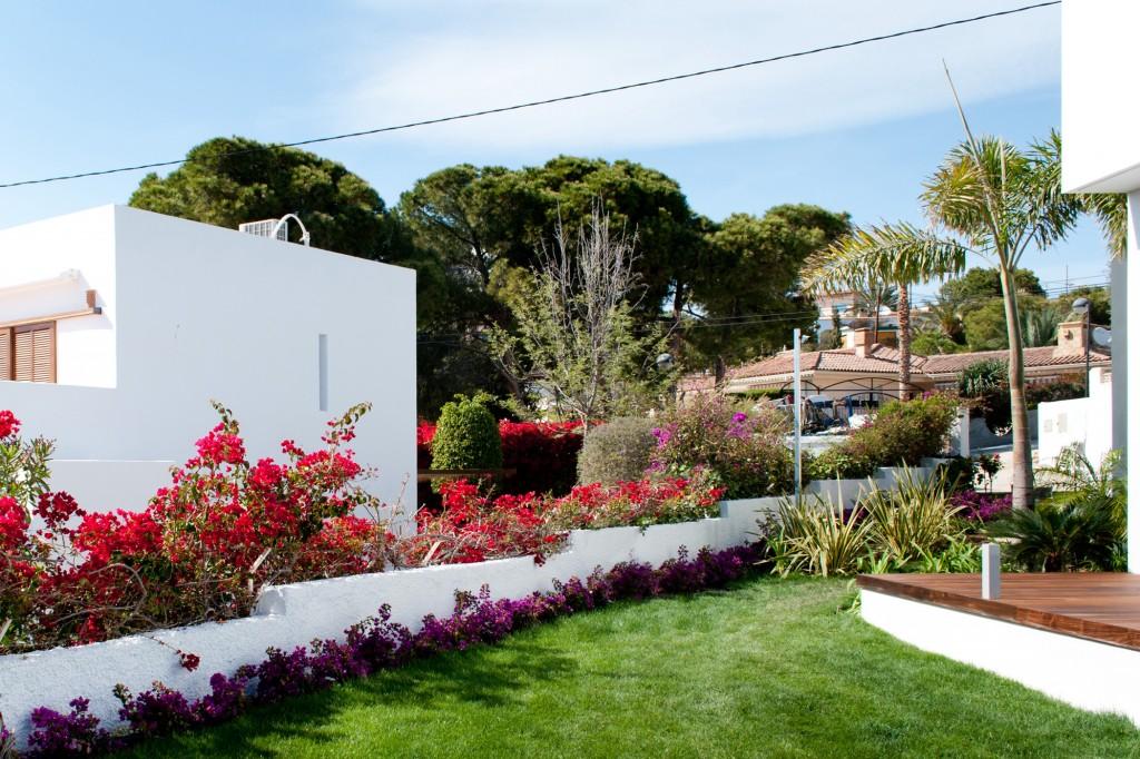 Un jard n con vistas dise o de jard n mediterr neo en for Diseno jardin mediterraneo