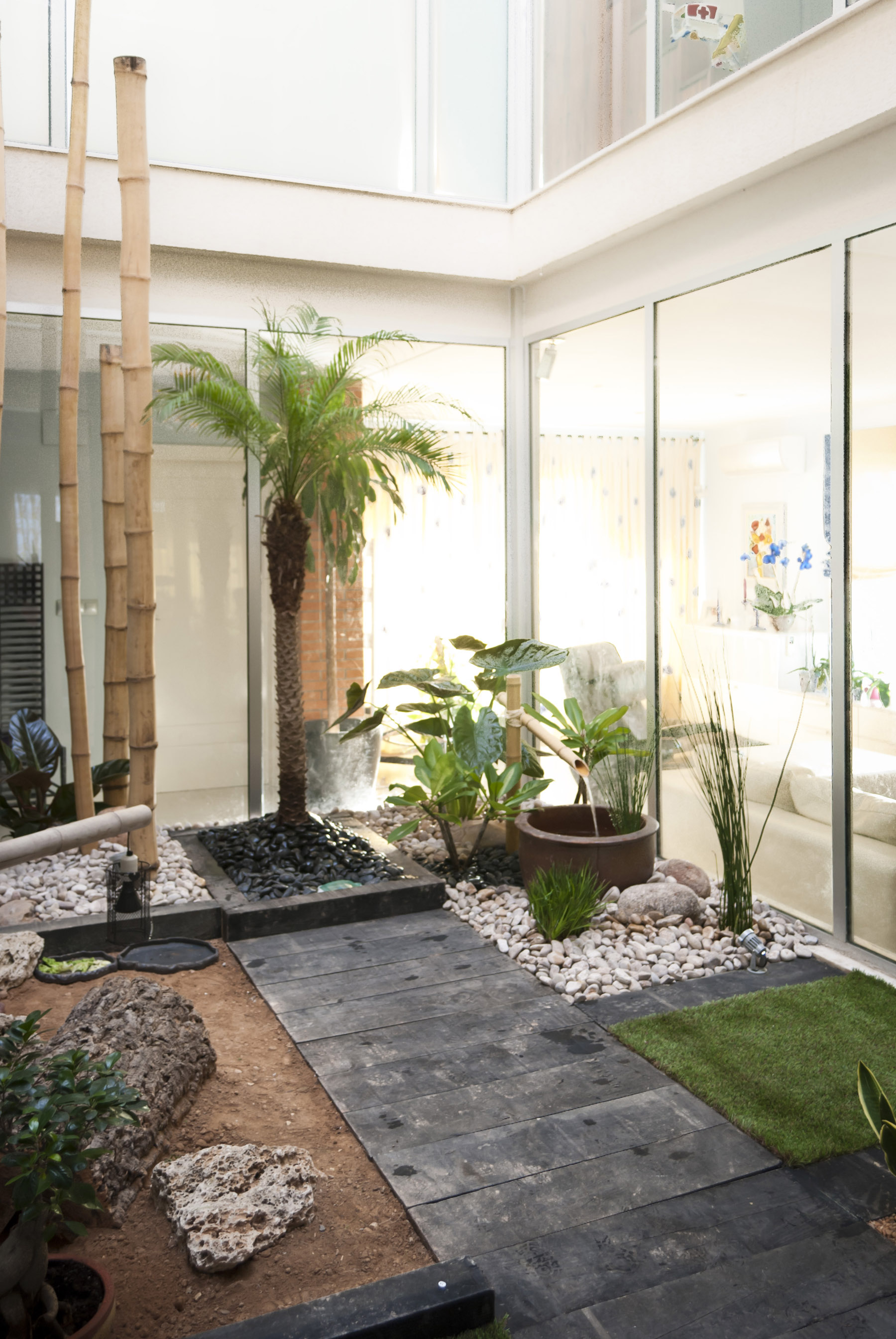 Jardin zen en patio interior david jim nez arquitectura y paisajismo en madrid - Diseno patio interior ...